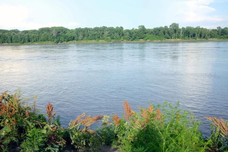 Missouri River - St. Charles   The Katy Trail   Earthtones Travel + Design Blog   Roo Bea Design Co.