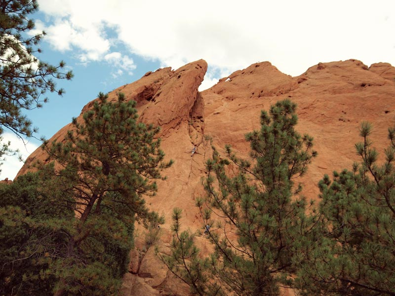 Rock Climbing at the Garden of the Gods in Colorado Springs | Earthtones Travel + Design Blog | Roo Bea Design Co.