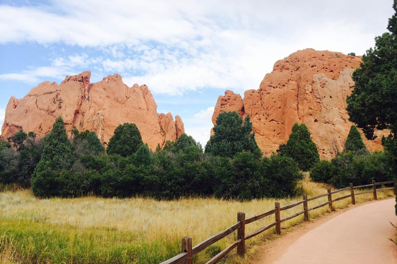 Best Places to Visit in Colorado - Garden of the Gods in Colorado Springs | Earthtones Travel + Design Blog | Roo Bea Design Co.