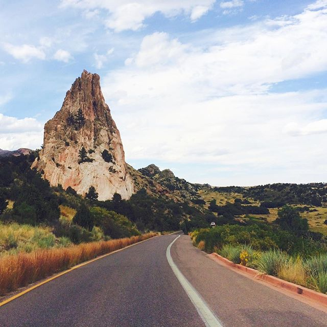 Road tripping through Colorado! 🚙 Make a stop at Garden of the Gods Park in Colorado Springs. . . This week was all about the Garden of the Gods! Check out the blog to learn more (link in bio) . . .  #southwestrocks #southwest #redrocks #rockylandscape #rockylandscapes #diverselandscape #travelideas #travelamerica #roadtrip #roadtripusa #explorecolorado #landscapephotography #americanlandscape #traveldestination #destinationinspiration #travelinspiration #traveling
