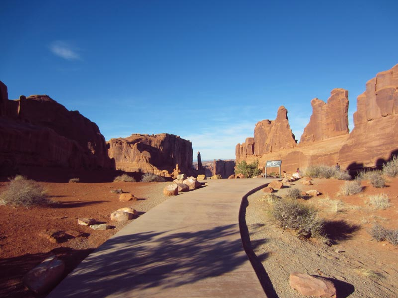 Trails and Viewpoints at Arches National Park | Earthtones Travel + Design Blog | Roo Bea Design Co.