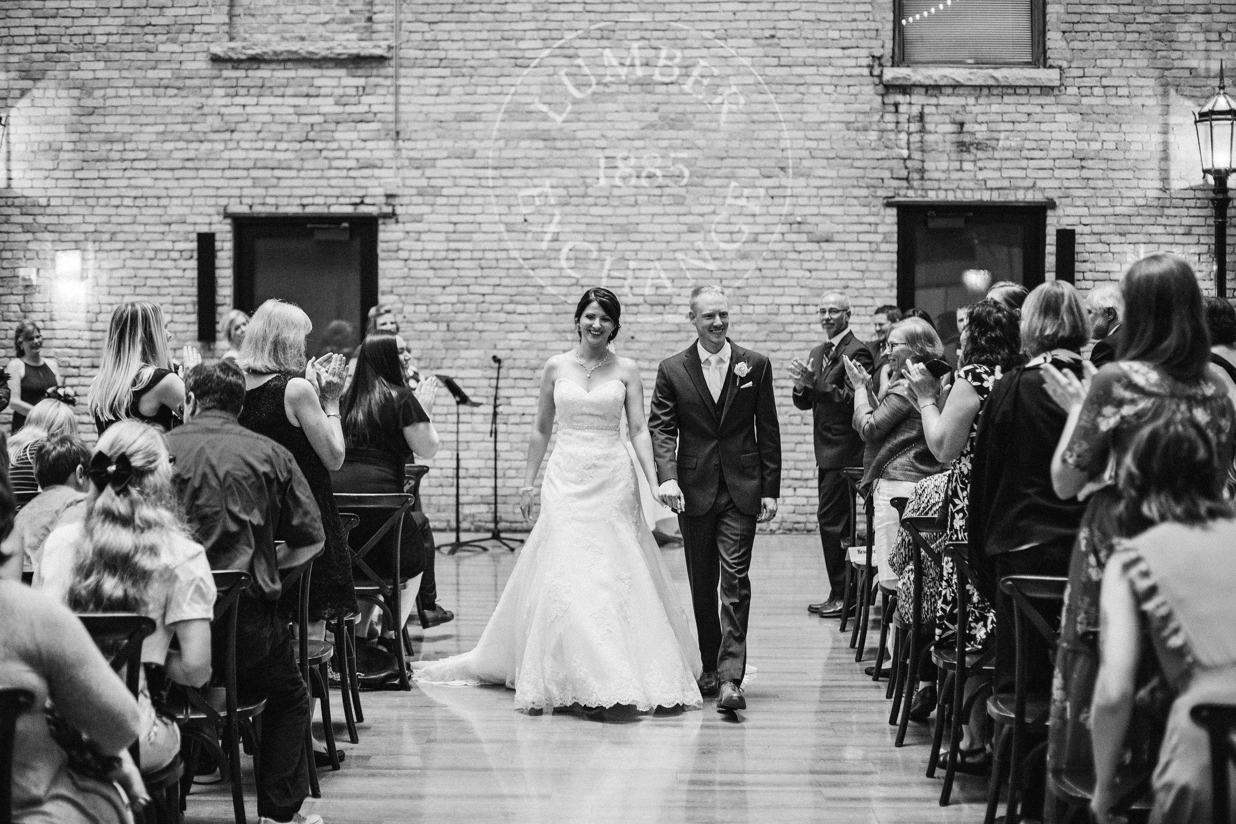 CourtneyIan_Wedding_Preview_0050.jpg