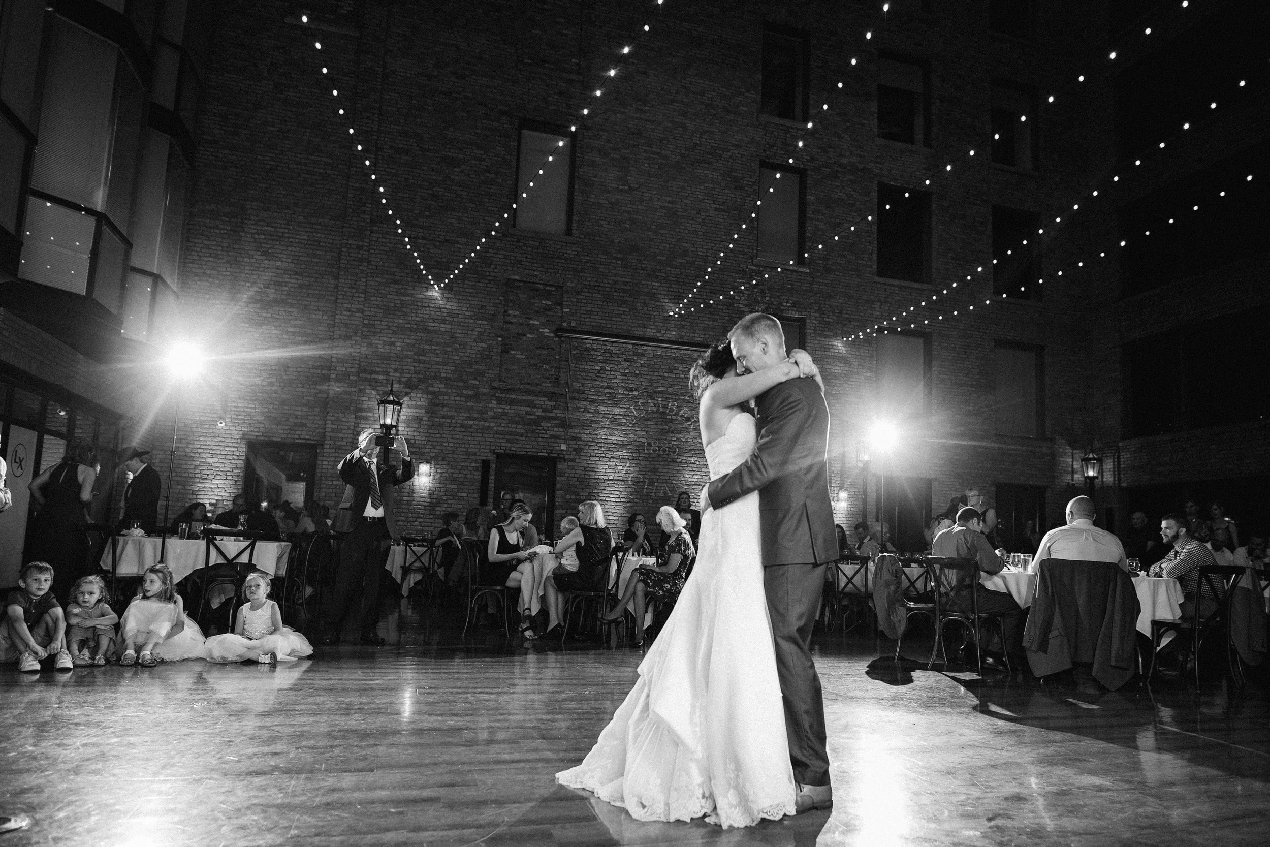 CourtneyIan_Wedding_Preview_0059.jpg