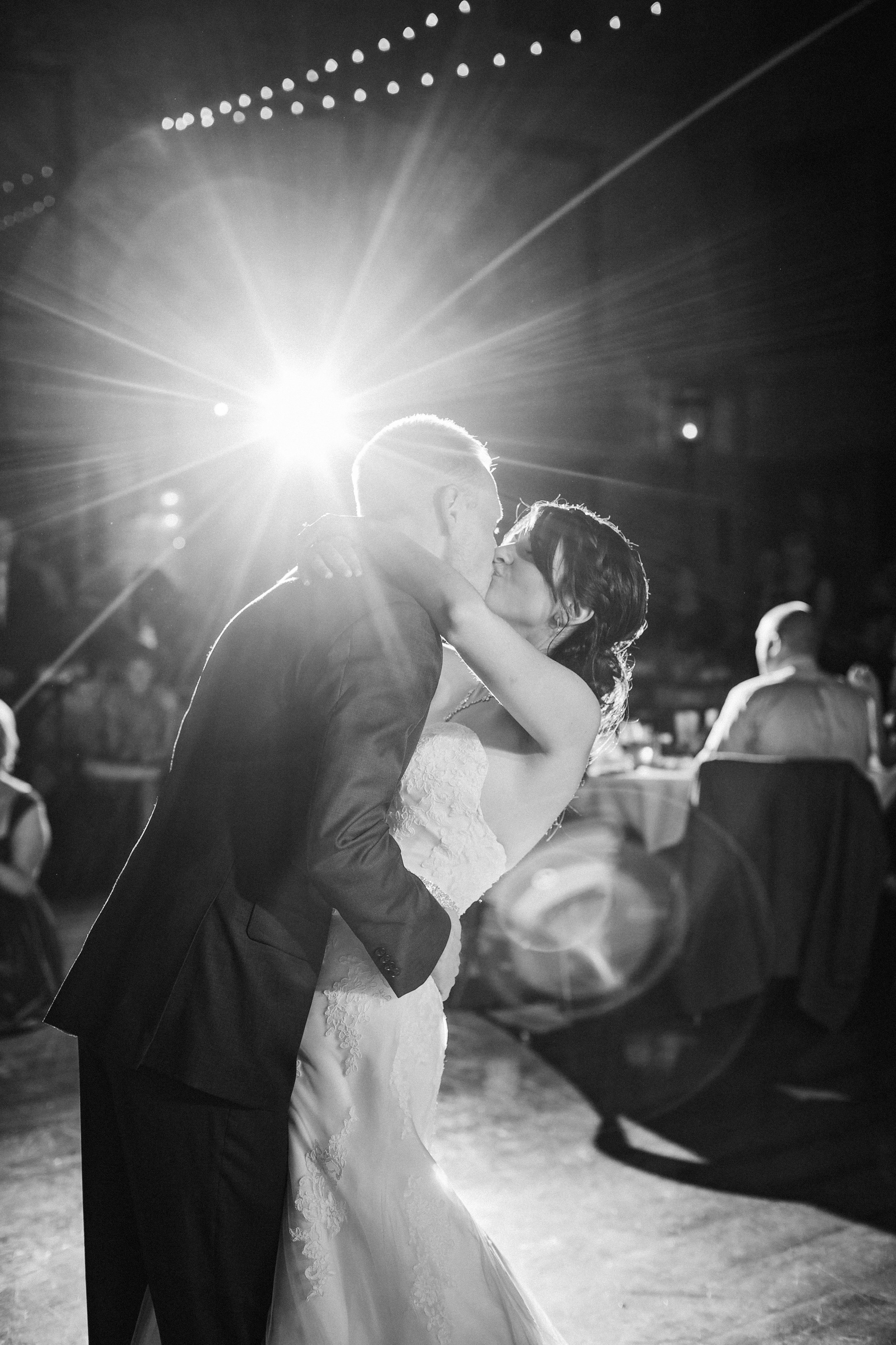 CourtneyIan_Wedding_Preview_0060.jpg