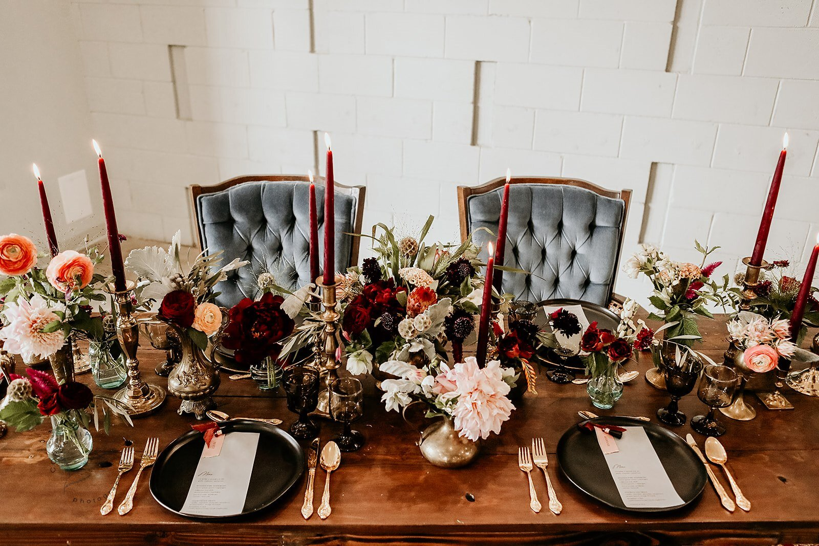 Photography / /  Coral Mia Photo , Planning, Design, & Styling / /  buck & rose , Rentals & Tabletop Decor / /  Style Society Mpls , Floral Design / /  Munster Rose , Stationery / /  Copper & Carbon