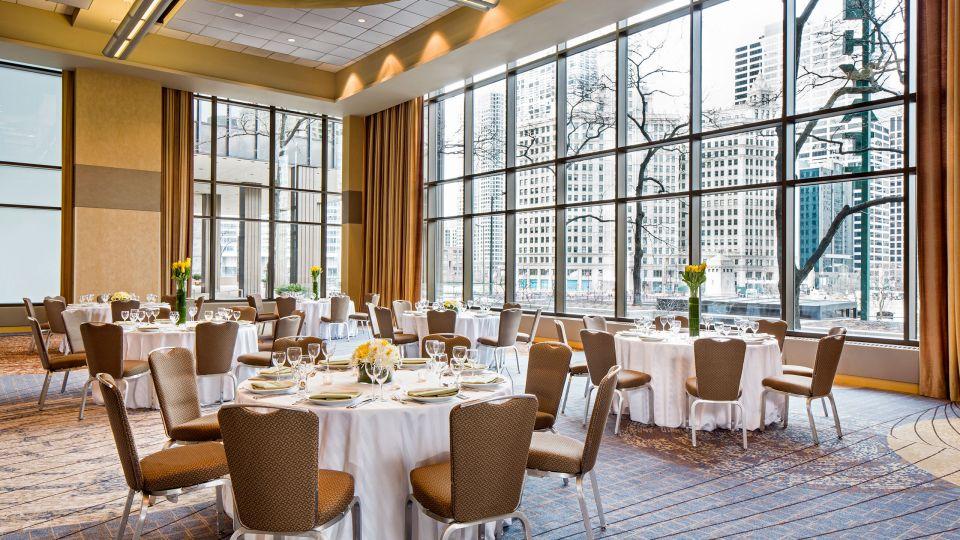 Hyatt-Regency-Chicago-P252-Crystal-Ballroom-Social-Setup.adapt.16x9.jpg.960.540.jpg