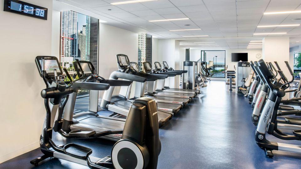 Hyatt-Regency-Chicago-P489-Fitness-Center-Treadmills.adapt.16x9.jpg.960.540.jpg