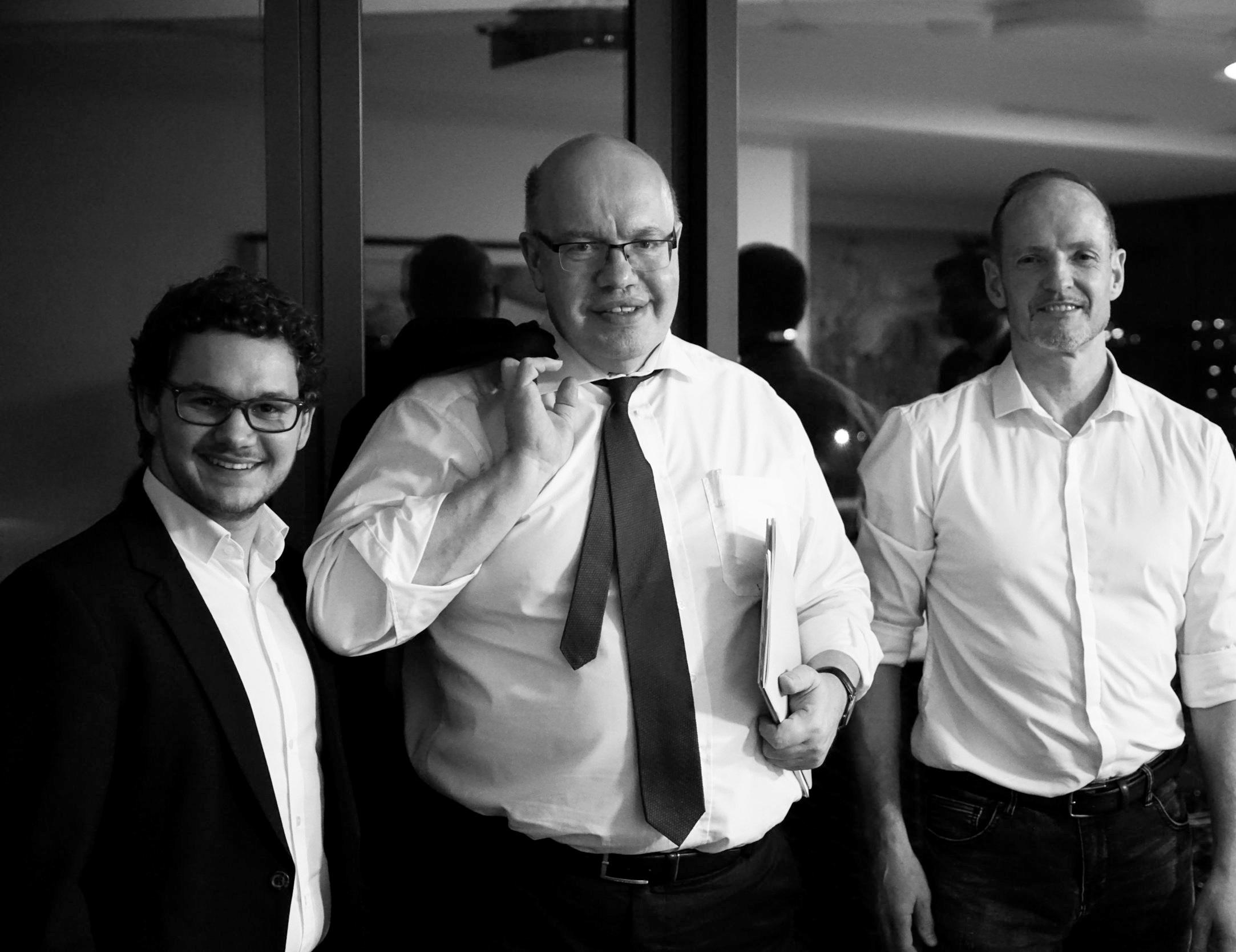 Carbonaut Michael Sernatinger, BM Peter Altmaier, Carbonaut Torsten Becker