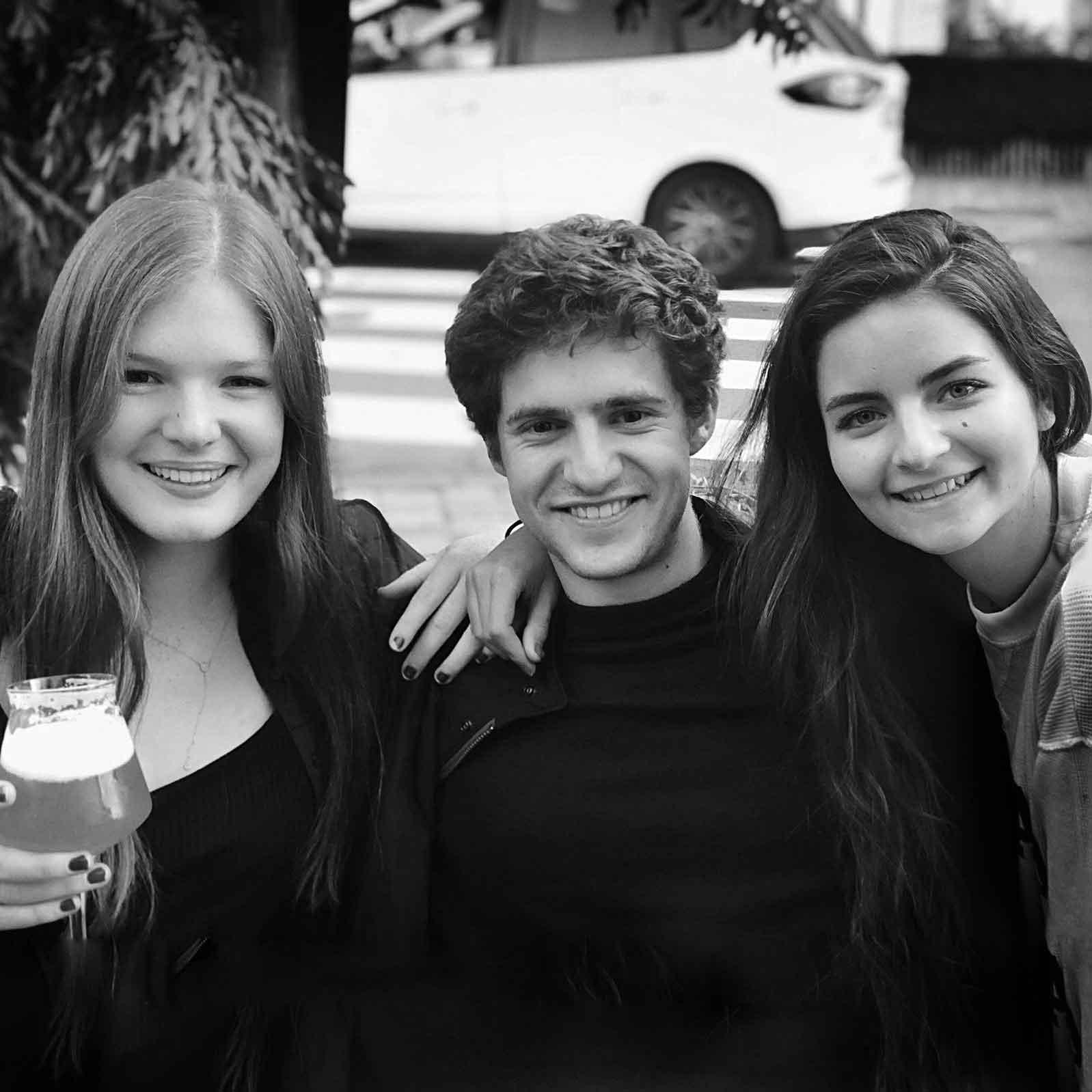Olga, Nicolas & Alix  | Logistics Dream Team