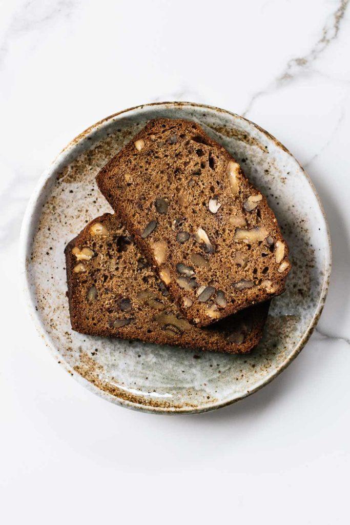 sliced-banana-bread-683x1024.jpg