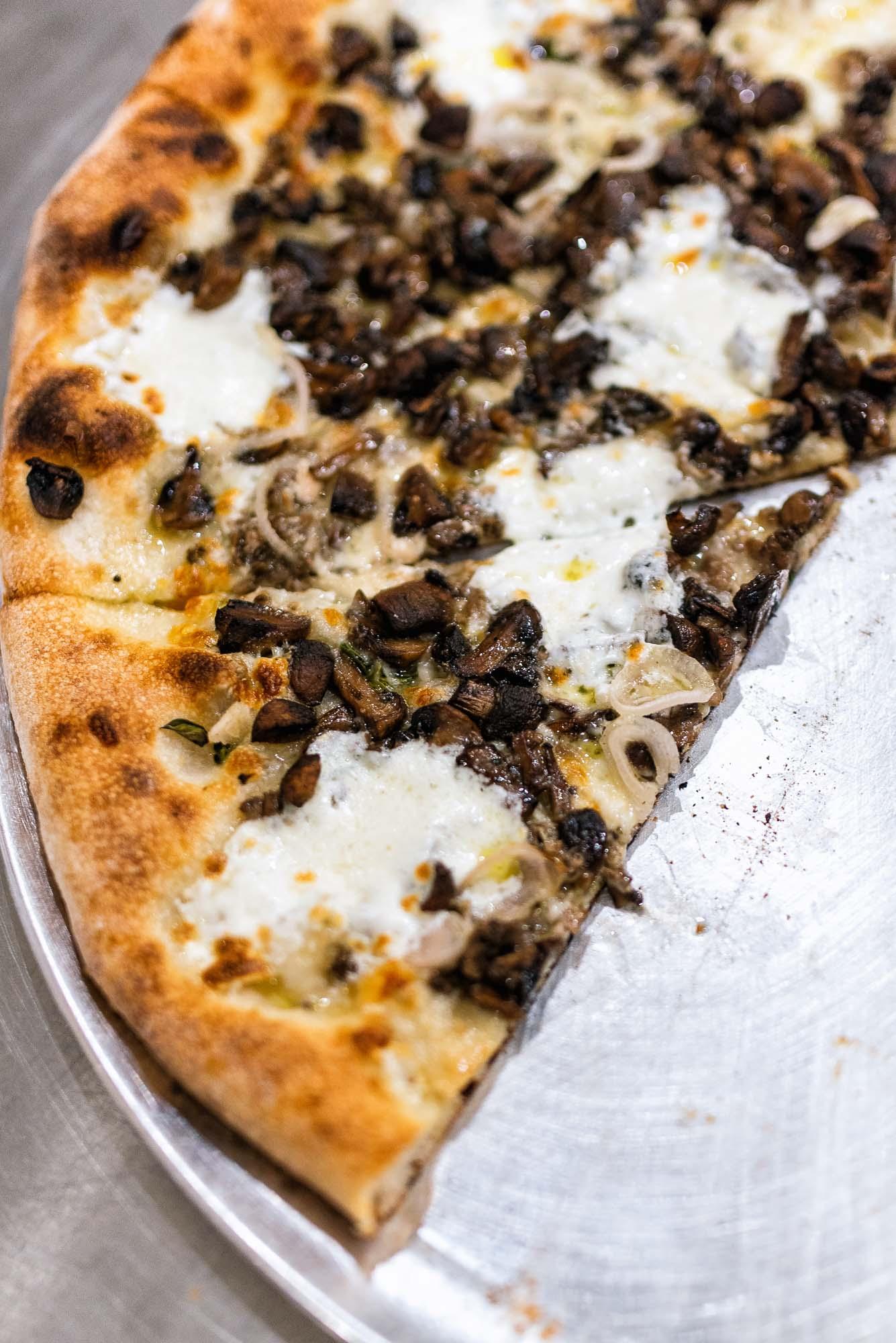 Mushroom pizza -