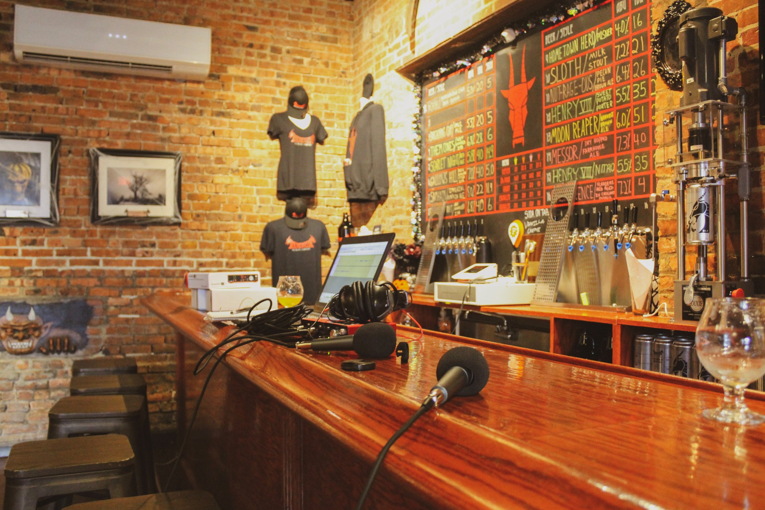 A look at the taproom where we sat down and chatted over a delicious glass of suds!