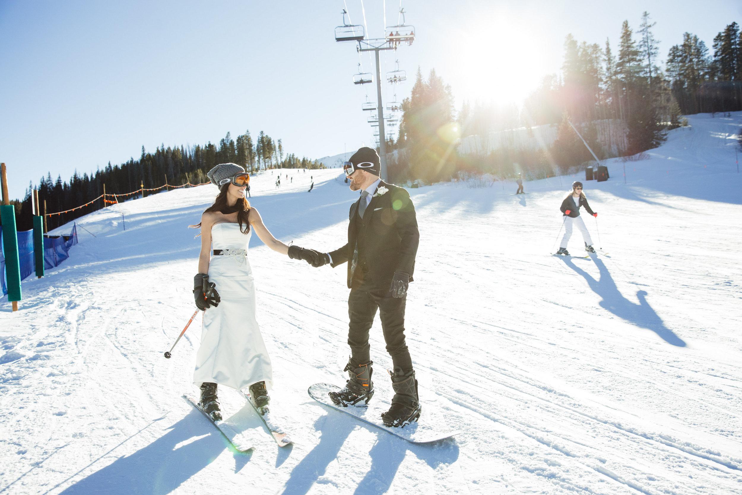 Laura and Justin-Snowboarding-0132.jpg