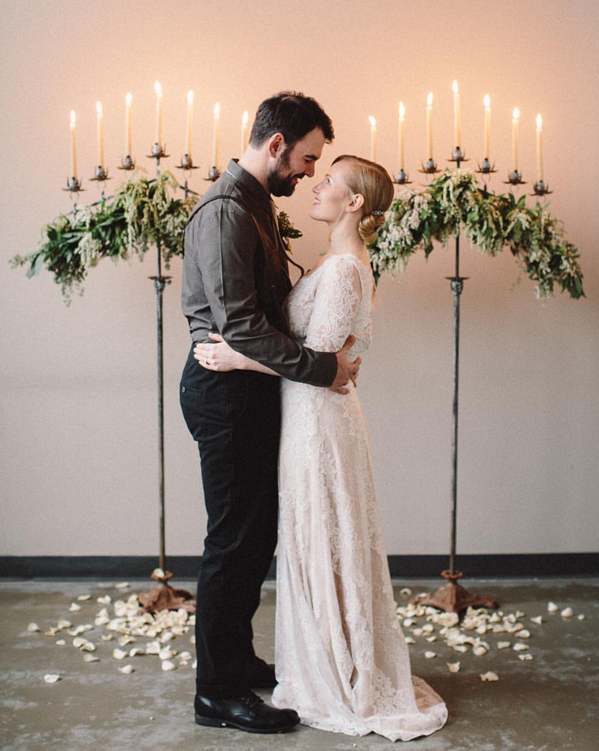 Image by Kelly Dudash of 822 Weddings. Florals by Erin Ostreicher of Nectar and Root.