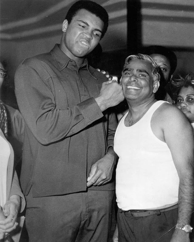 Reposting from @sivanandayogachicago. Two Beautiful Beings 💛! #muhammedali #swamivishnudevananda . . . #releaseandbecome
