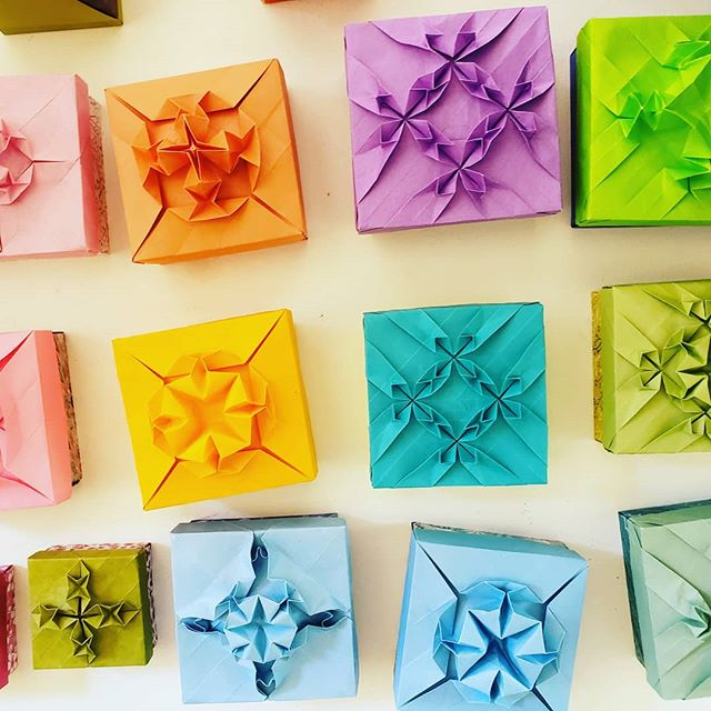 Hazel Wilding has been working her magic, creating origami boxes ornamented with tessellations! OPEN STUDIOS PREVIEW starting on First Friday at 5! #hazelwilding #origami #papercrafts #tessellations #openstudios #firstFriday #vashonopenstudiostour #vashonislandvisualartists