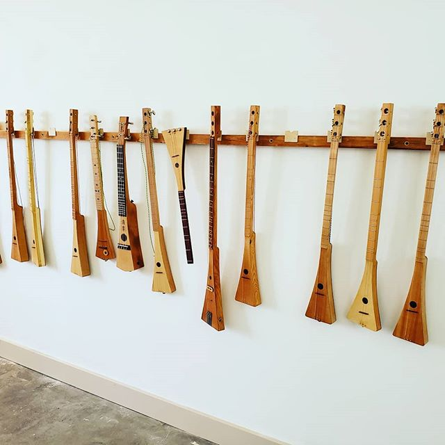 LuthierJoe Schonbok is back with his handcrafted dulcimers, banjos, and guitars! The Gallery opens at 5pm for First Friday preview of Joe's instruments, along with work of 7 other Island artists. We are #9 on the Tour map. #joeschonbok #luthier #handcrafted #dulcimers #banjos #guitars #strumming #stringedinstruments #firstfridayvashon #vashonislandvisualartists #vashonopenstudiostour