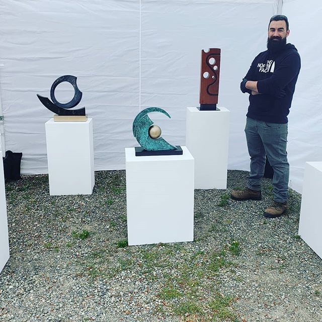 David Gaut will share his sculptural journey this month and next...and this is just the beginning!#davidgautdesigns#sculpture#juddcreekranch#bronzeart #pnwartist#vashongallerycruise