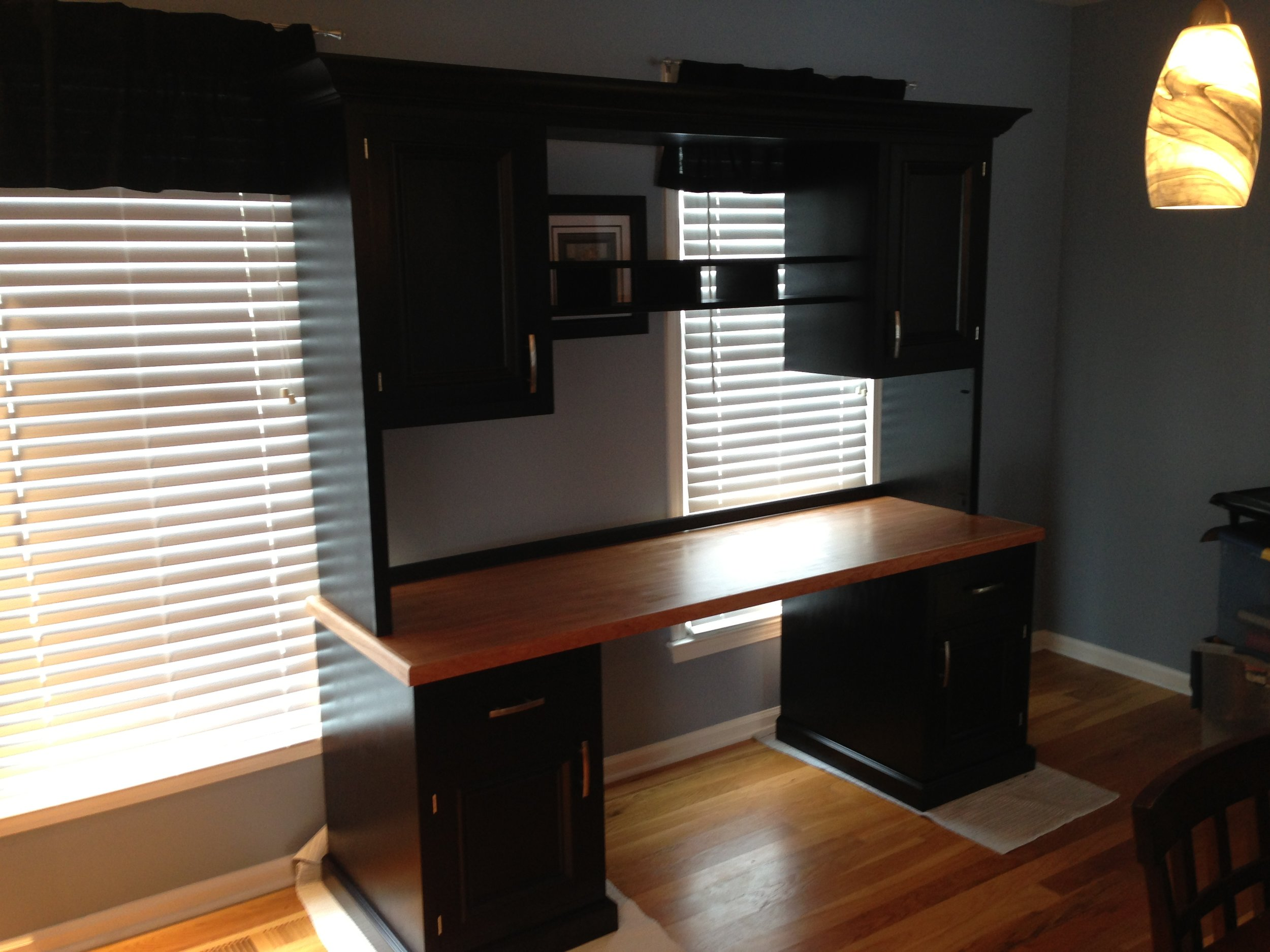Building a Simple Desk with a Hutch!