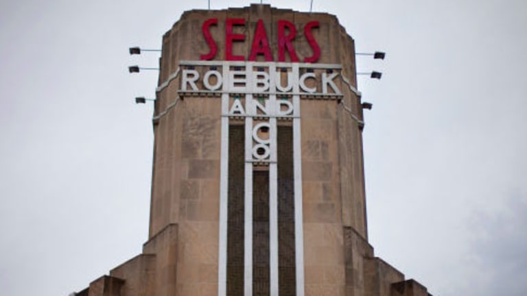 sears-falls-after-saying-it-will-close-as-many-as-120-stores.jpg