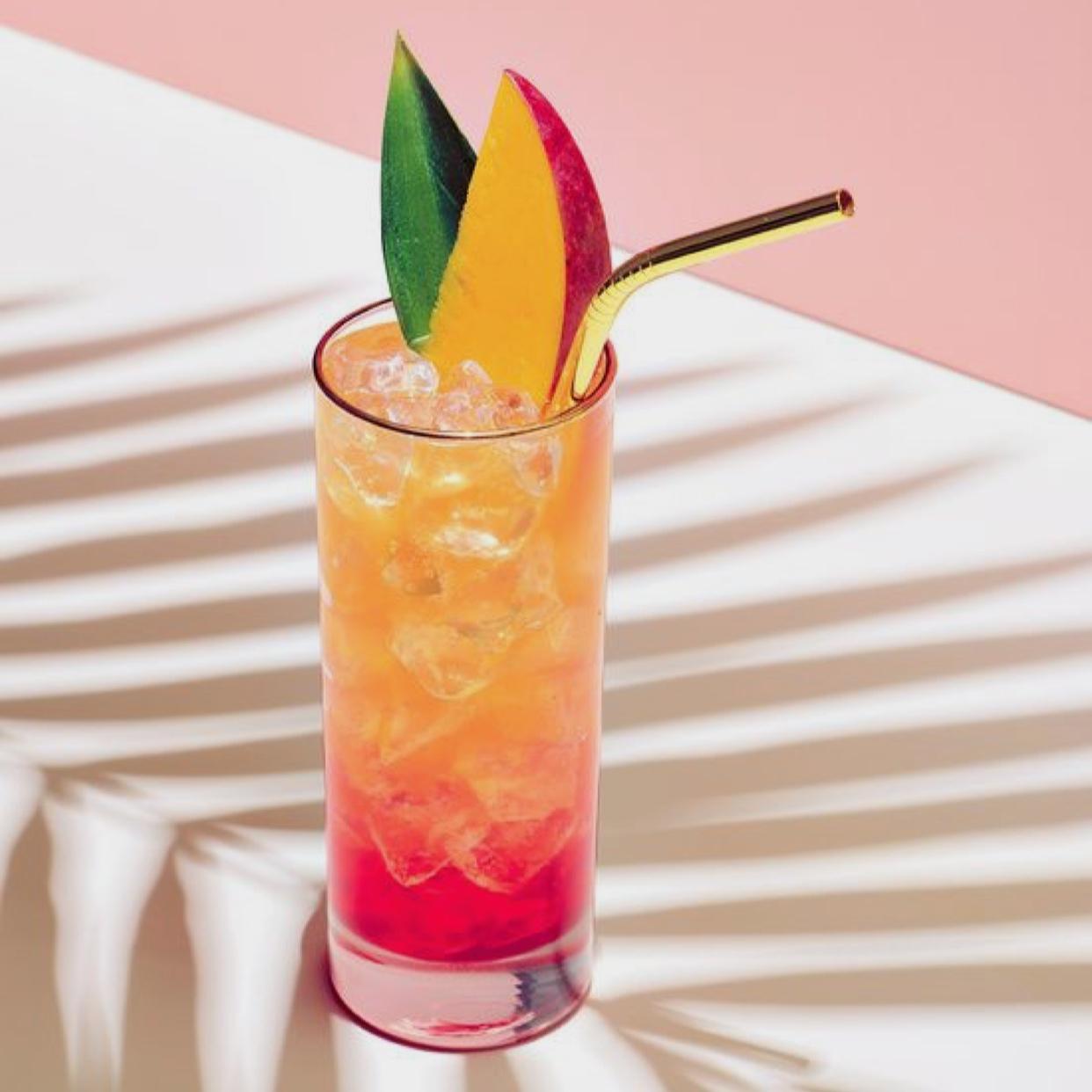 fa-fa-fa-fa Friday - $2 offCraft cocktails | specialty martinis | Lindy's Classics$4 shotsJack Fire | Jameson | Rumple minze