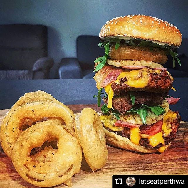 Consider this dinner inspo... You're welcome 😂🤤🍔🍯🙌 #Repost @letseatperthwa • • • • • • My younger brother just rocked up after the gym, and insisted I make him a fried chicken burger! So this thing was created! Triple fried chicken, double pineapple, double bacon (cooked in @fireworksandsmoke honey), 4 slices of cheese, onion rings, all neatly deliver in a brioche bun.. safe to say, I'm sister of the year 😂 (he even said it's the best fried chicken burger, he's had in his life) . . . . . . . . . . . . . . . #foodstagrams #foodiegram #perthfoodblog #foodstagram #perthfood #perthfoodies #perthlife #diaryofafoodie #perthfoodblogger #perthfoodgram #perthbreakfast #perthfoodadventures #perthisok #foodie #foodphotography #fooddiary #foodislife #foodiesofinstagram #foodiesofperth #foodrecipes #foodlover #foodbloggers #foodblogger #foodblogfeed #instafood #foodporn