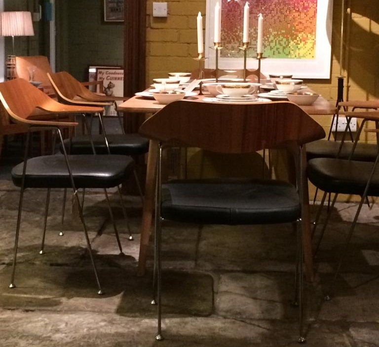 Tables & Dining