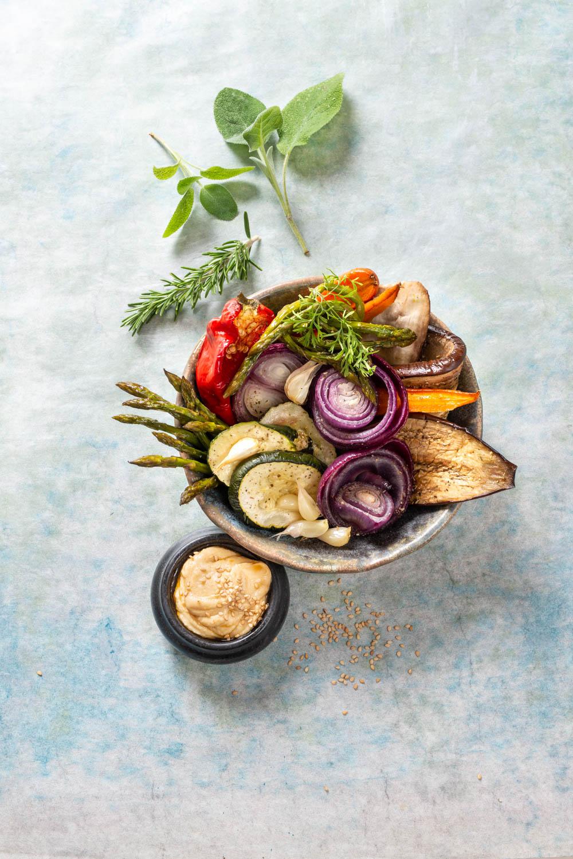 03460 Verduras al horno con hummus.jpg