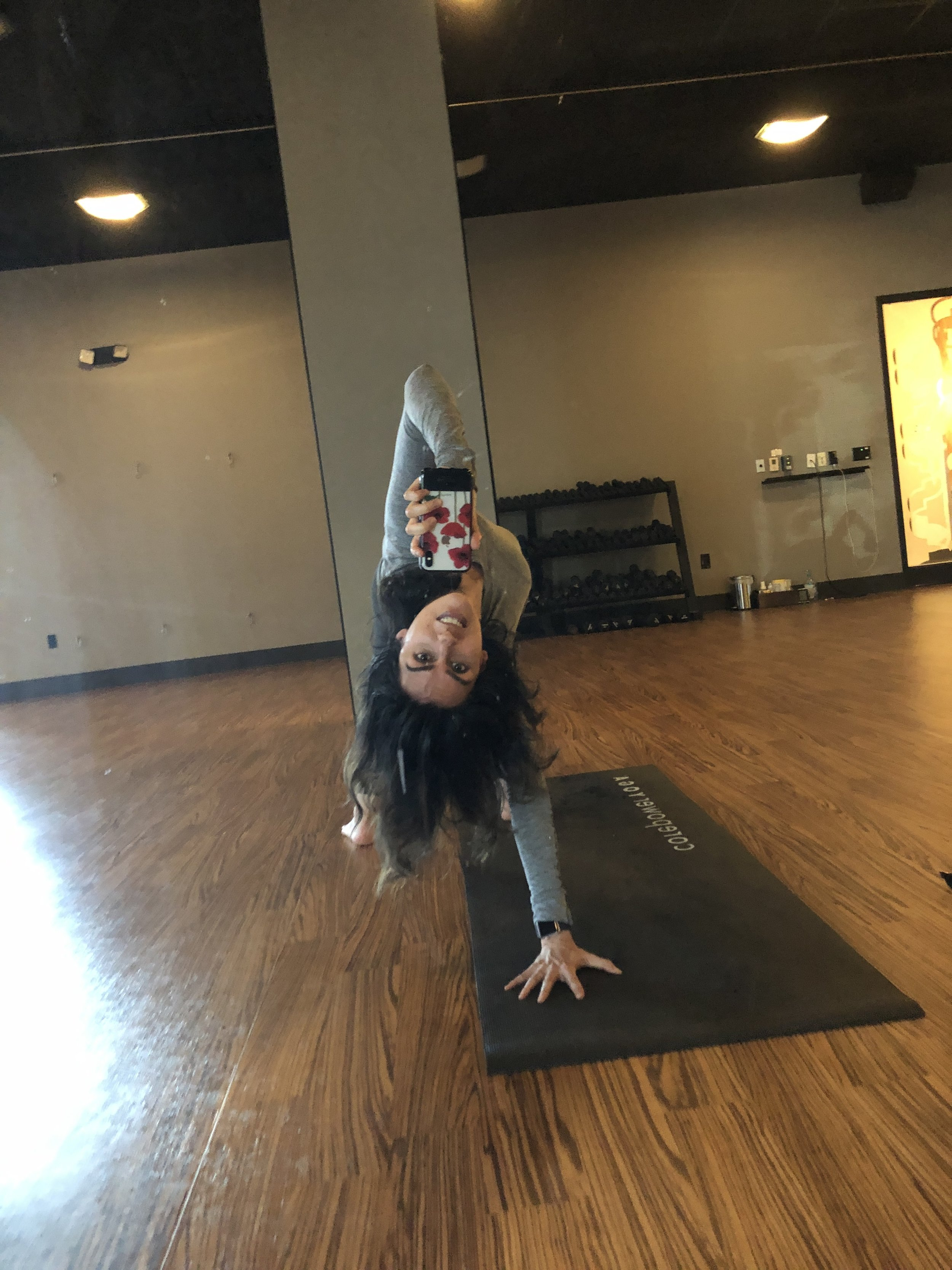 A wild-thing selfie in Lululemon's Swiftly Tech long-sleeve workout top