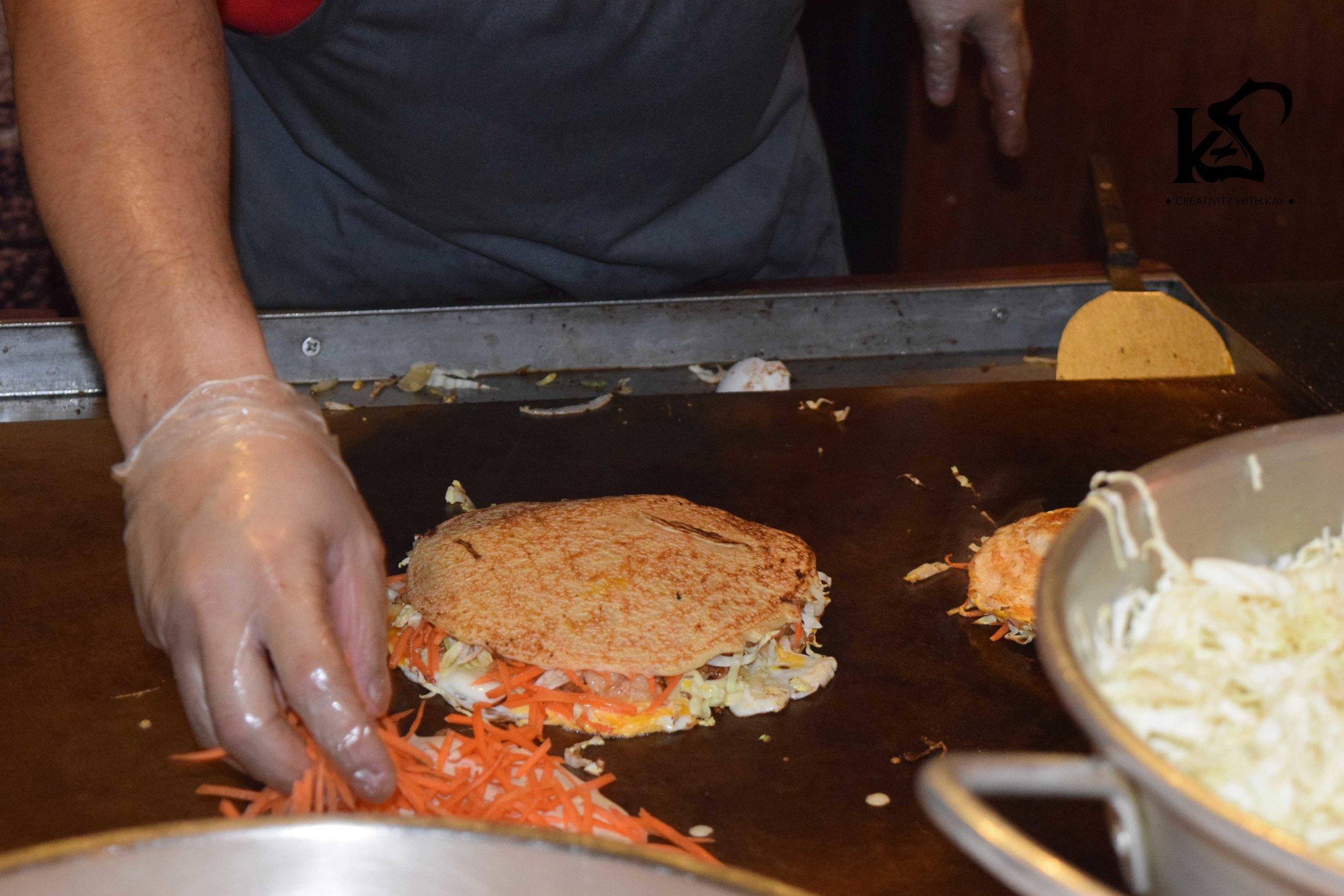 okonamiyaki-streetfood-japanese
