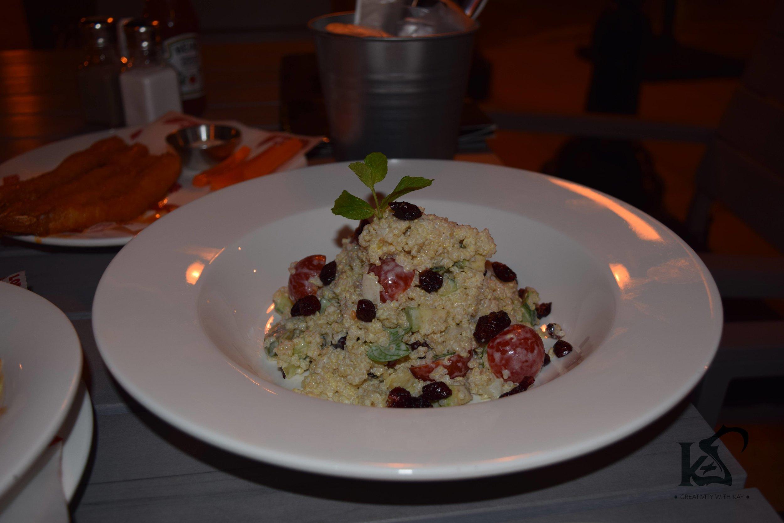 qatar-blogger-khansa-lord-of-the-wings-quinoa-salad