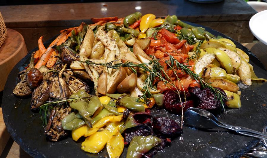 Friday-Brunch-CityCentre-Rotana-sauteed-vegetales.jpg