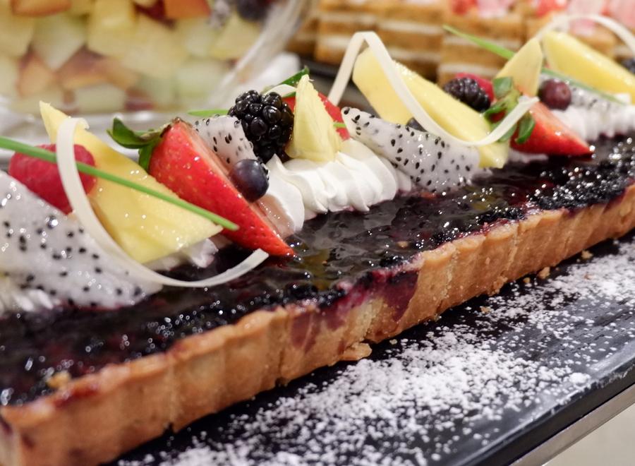 Friday-Brunch-CityCentre-Rotana-dessert.jpg