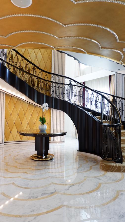 abudhabi-suite-staircase2.jpg