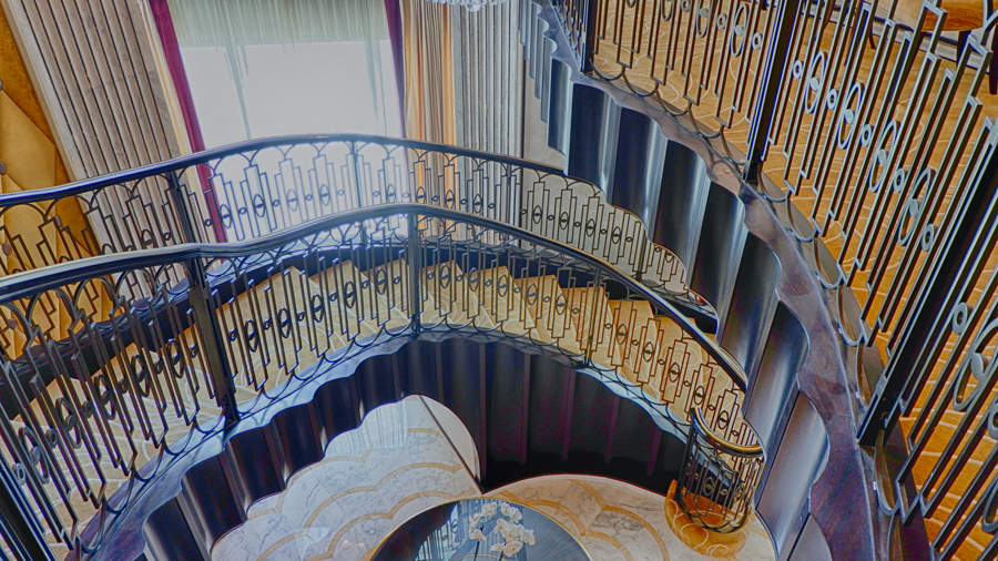 abudhabi-suite-staircase3.jpg