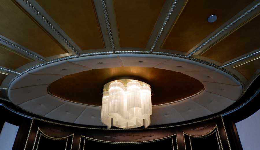 abudhabi-suite-chandelier2.jpg