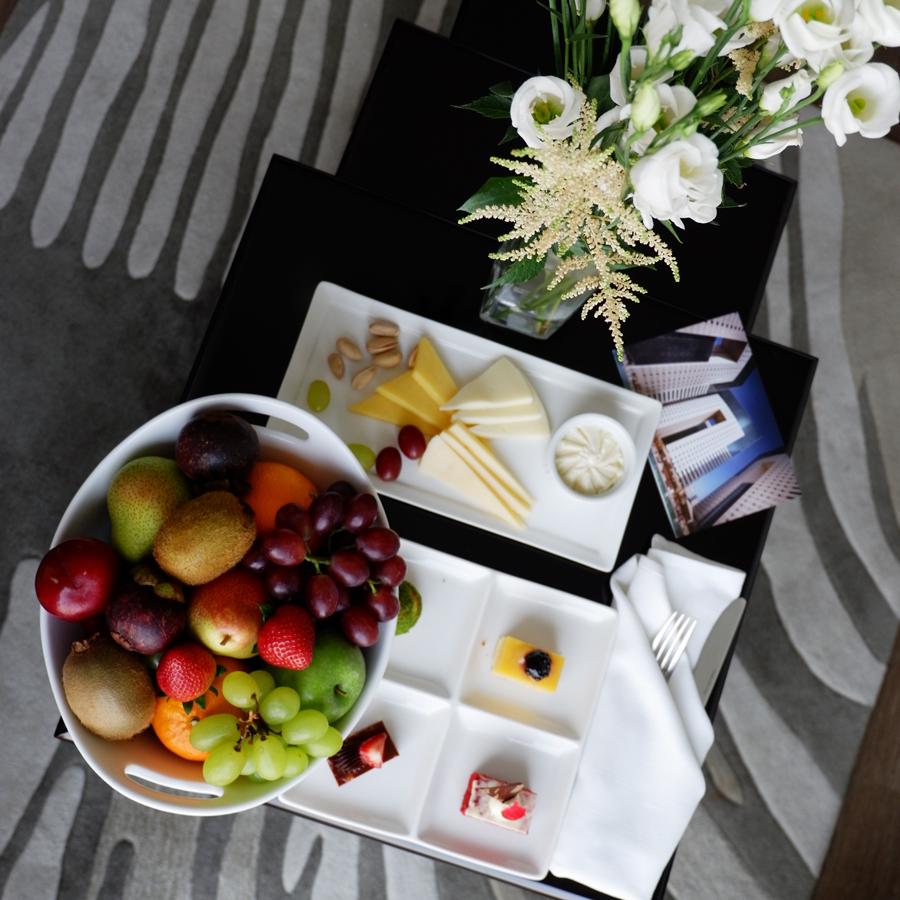 ezdan-hotel-qatar-welcome.jpg