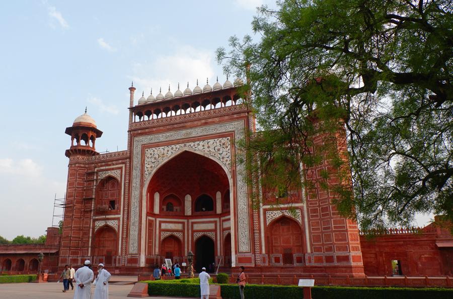 Taj-gate.jpg
