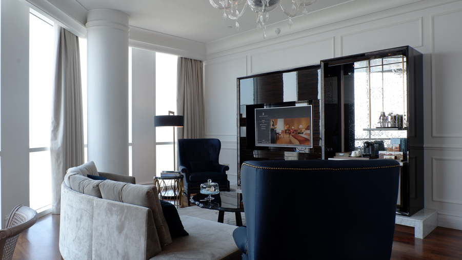 ritz-carlton-doha-executive-suite-lounge.jpg