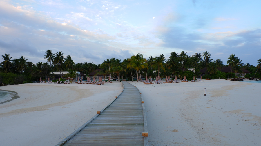 Dhigali_Maldives_Sunrise6.jpg