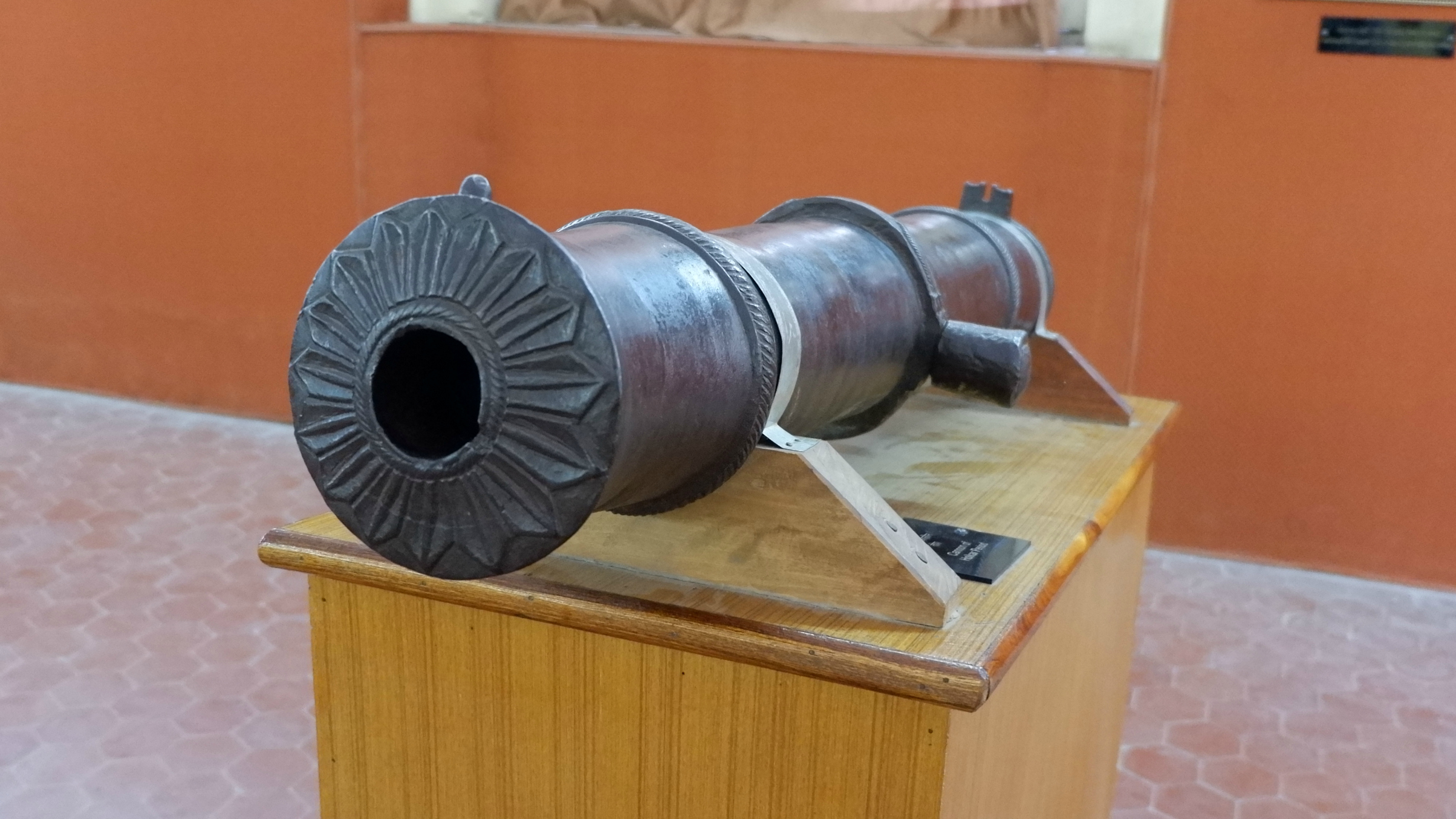 Indore_RajwadaPalace_Artifact.jpg