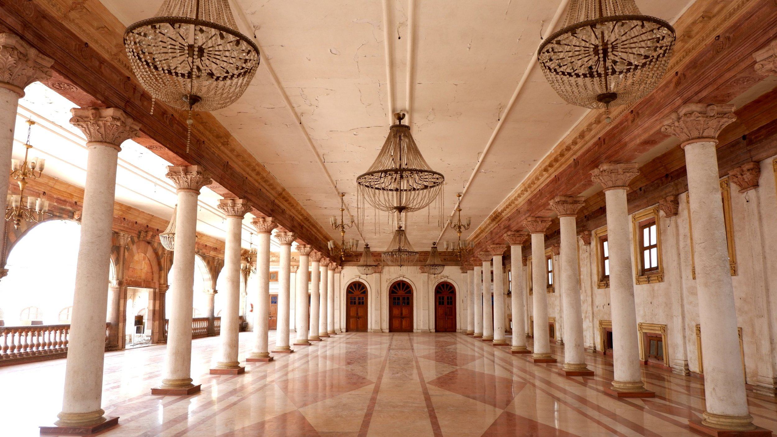 RajwadaPalace_Indore_Interior.jpg