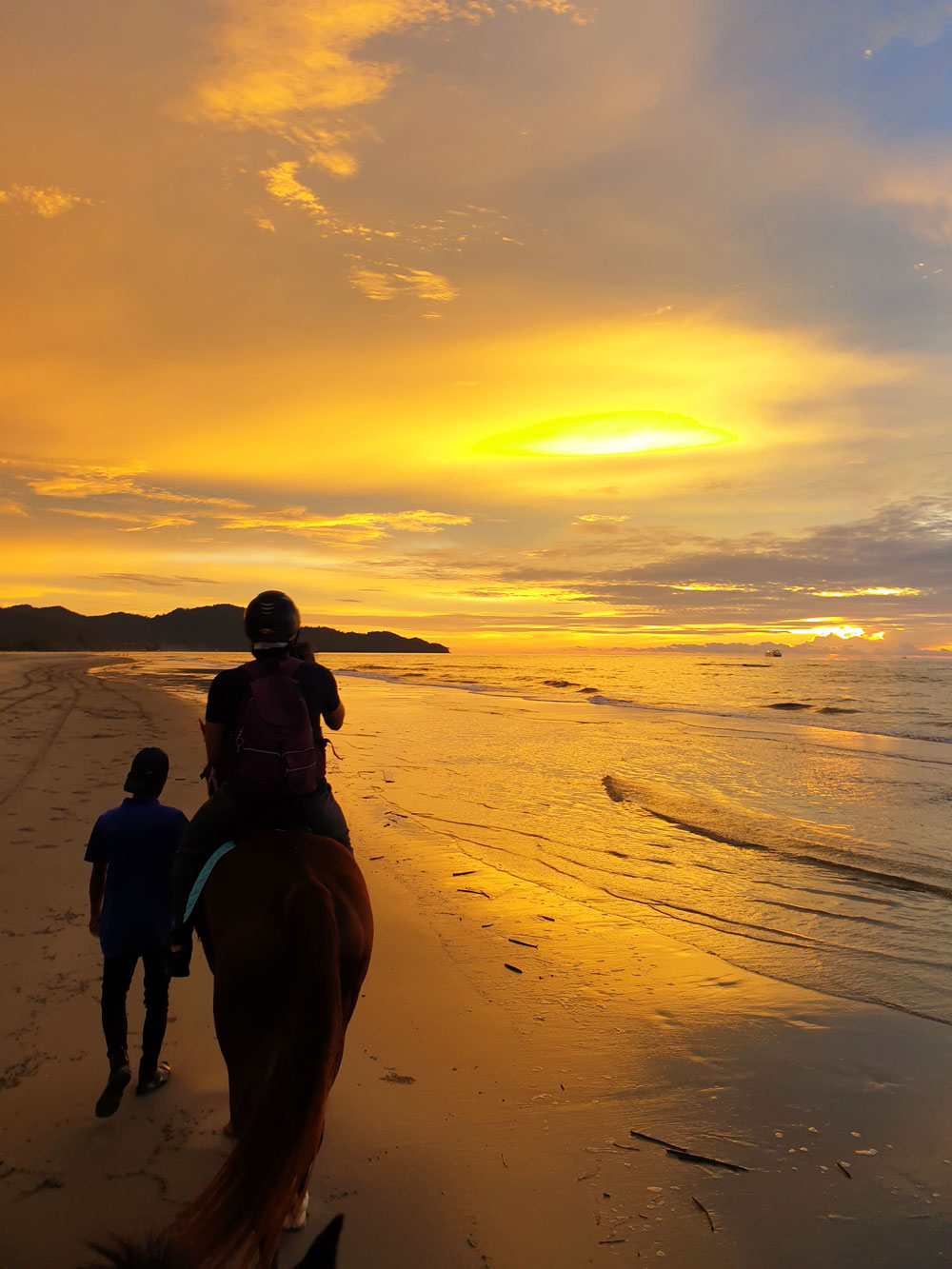shangrila_rasaria_sunset.jpg
