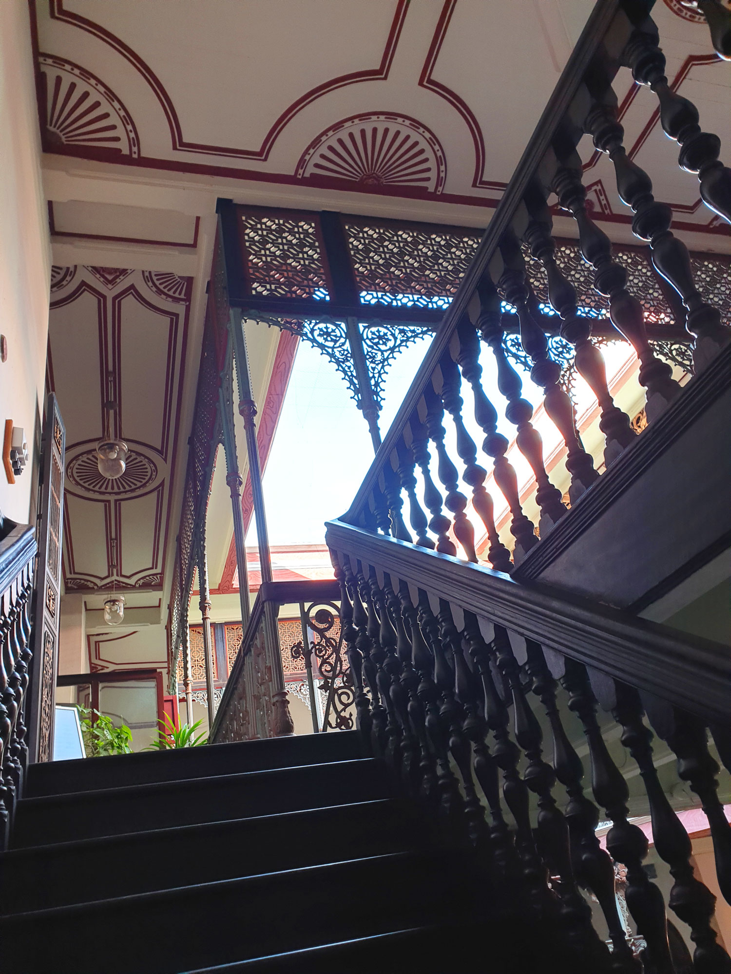 cheonggfatttze_mansion_stairs.jpg