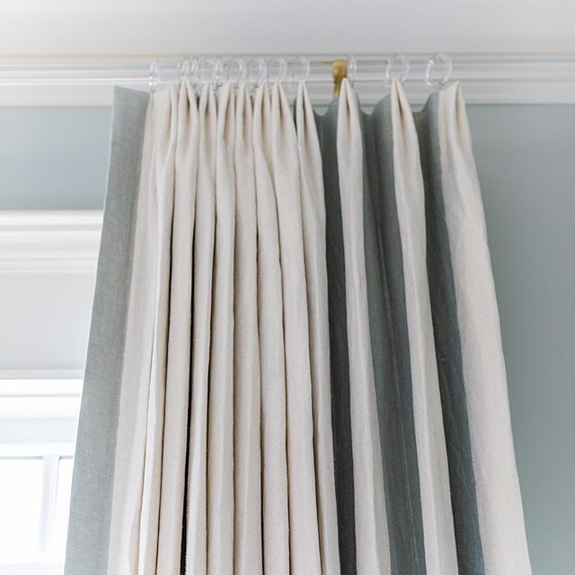 It's all in the details! LOVE how these gorgeous drapes turned out! 📷 by @jessiepreza . . . . . #drapery #draperydesign #interiordesign #southernhome #lucite #home #blue #benjaminmoore #decorate #mysouthernliving