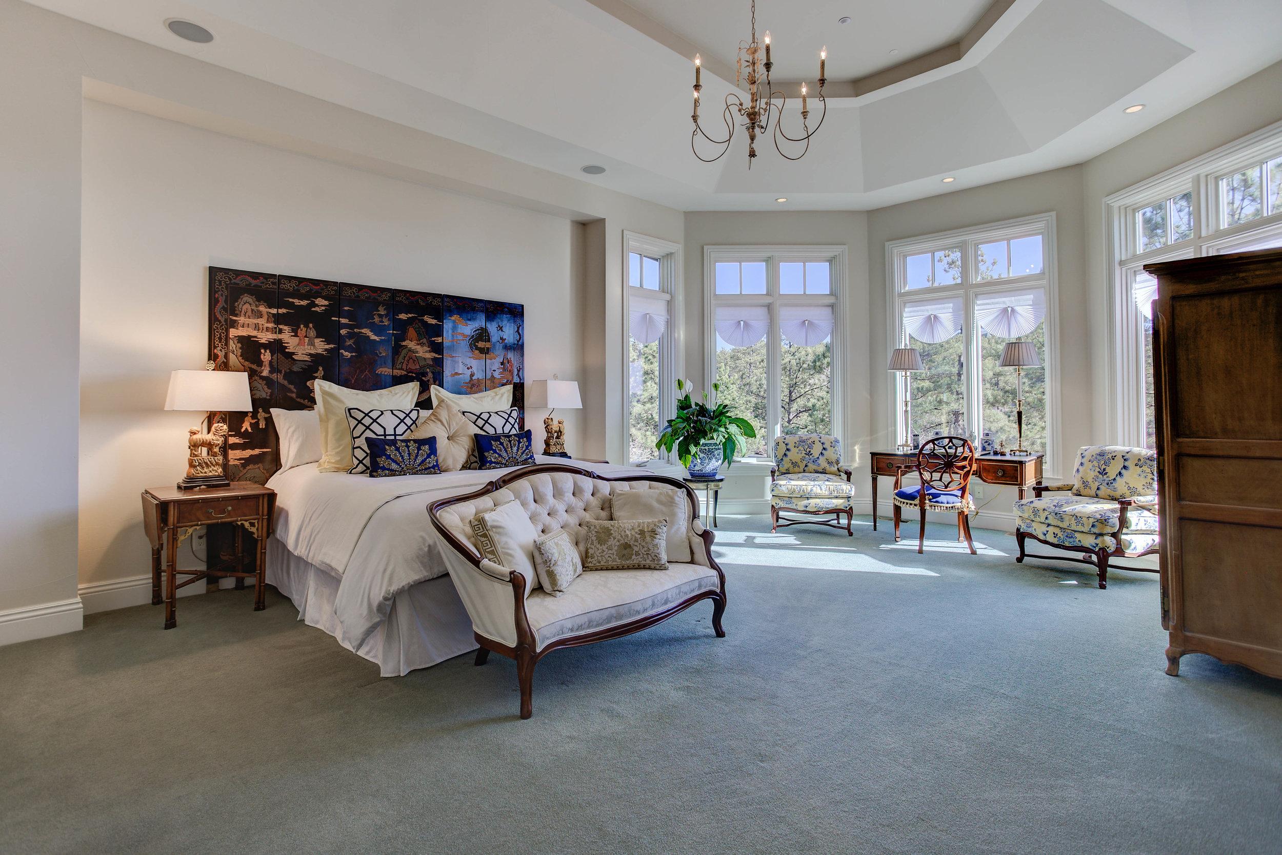 Master Bedroom - Complete