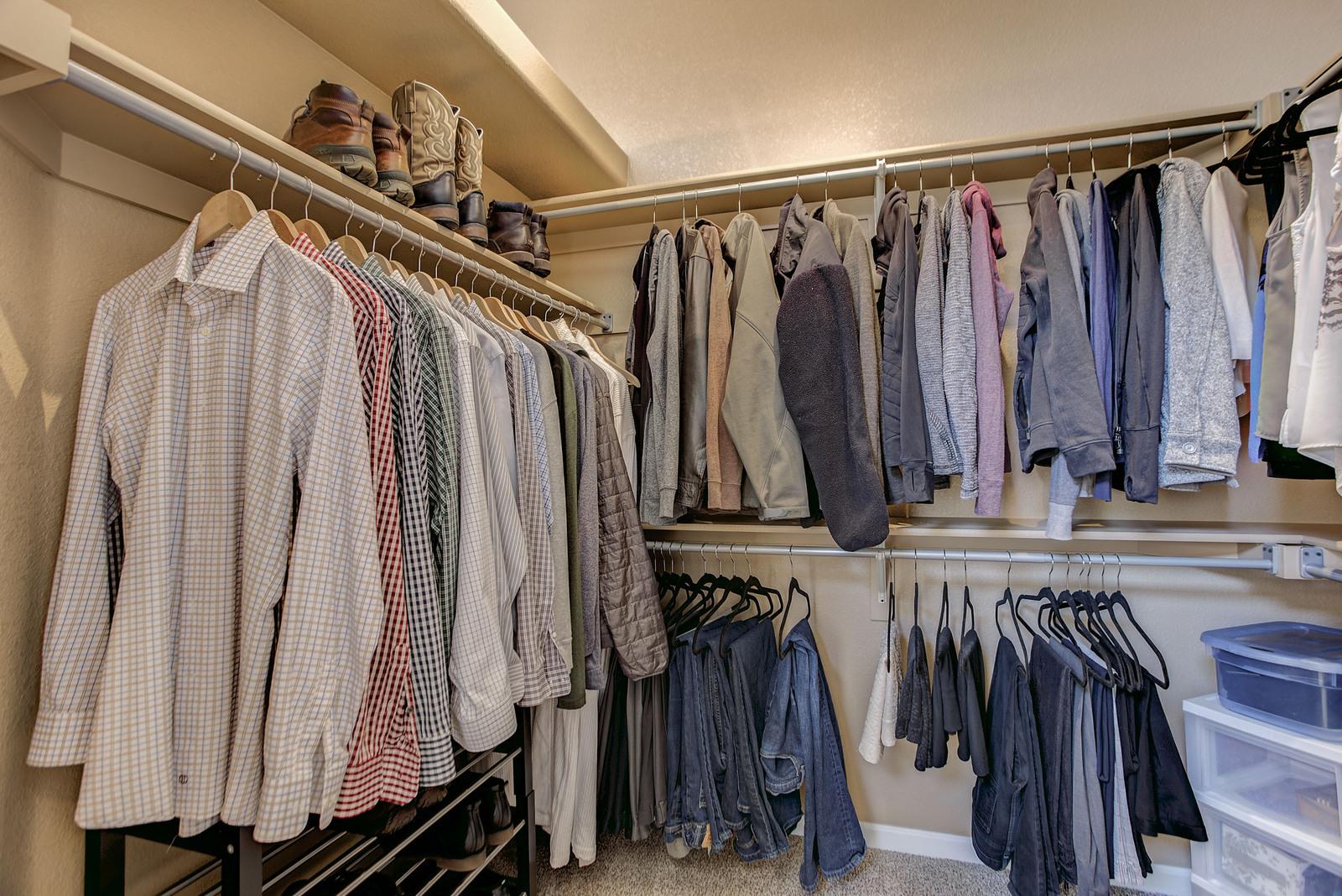 22-Master Walk-in Closet.JPG