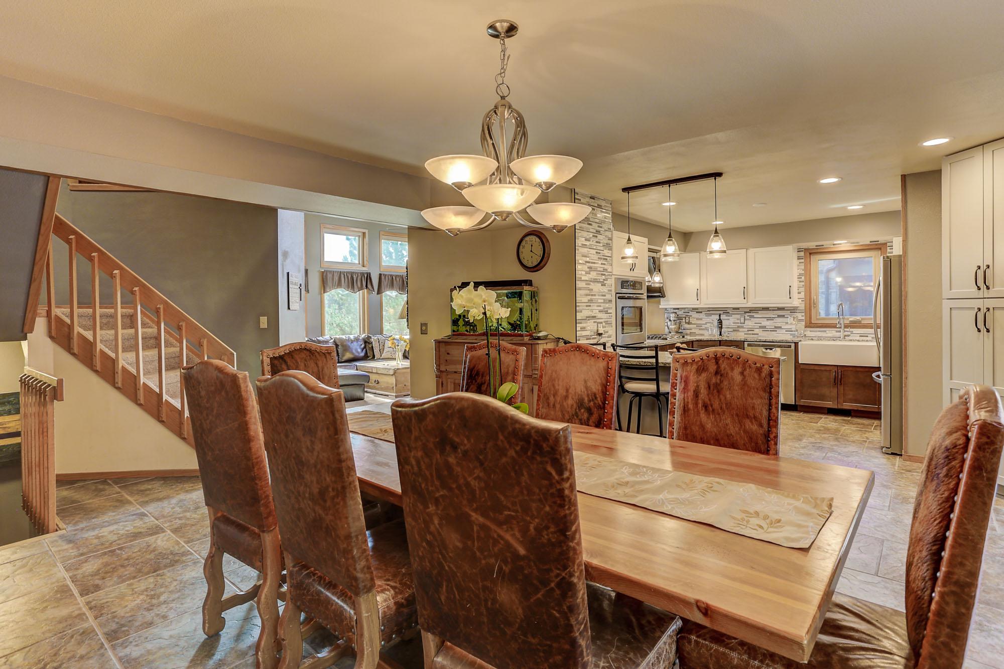 6250 Spurwood Dr Dining room b.jpg