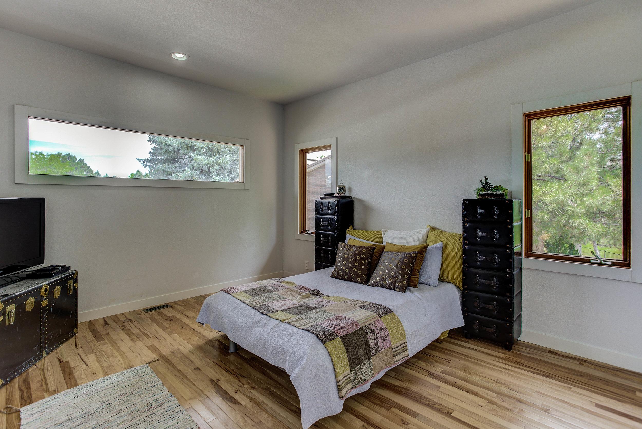 7 Falcon Hills Drive_Bedroom4a.jpg