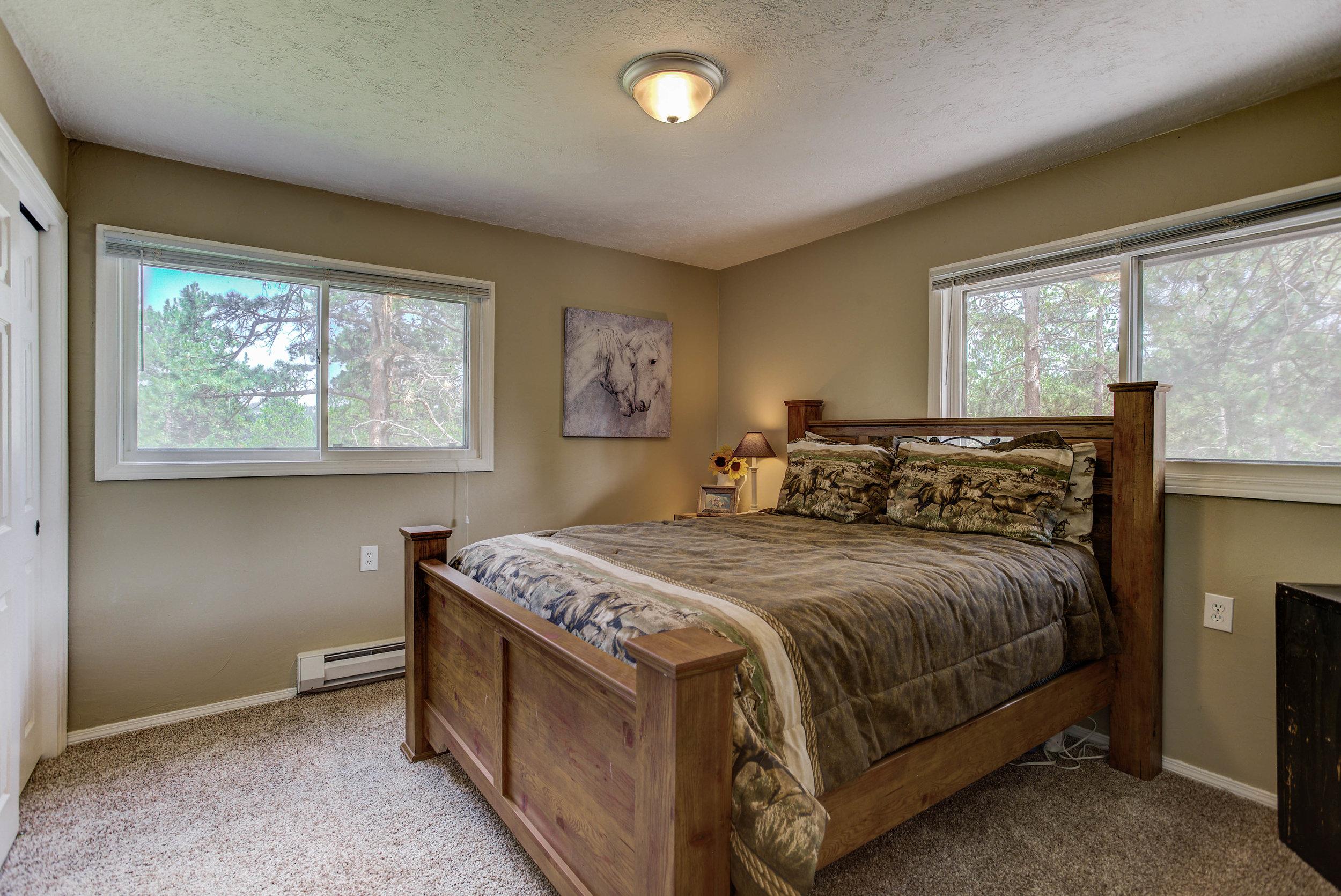17 Kit Lane_Bedroom2a.jpg